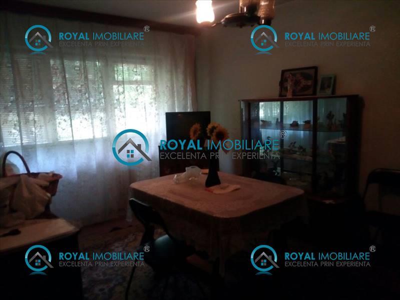 Royal Imobiliare   apartament 3 camere de vanzare in Ploiesti, zona B dul Bucuresti