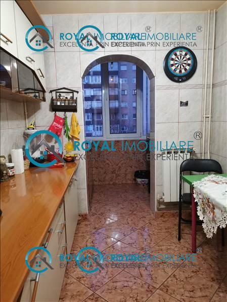 Royal Imobiliare   apartament 2 camere de vanzare in Ploiesti, zona P ta Mihai Viteazu