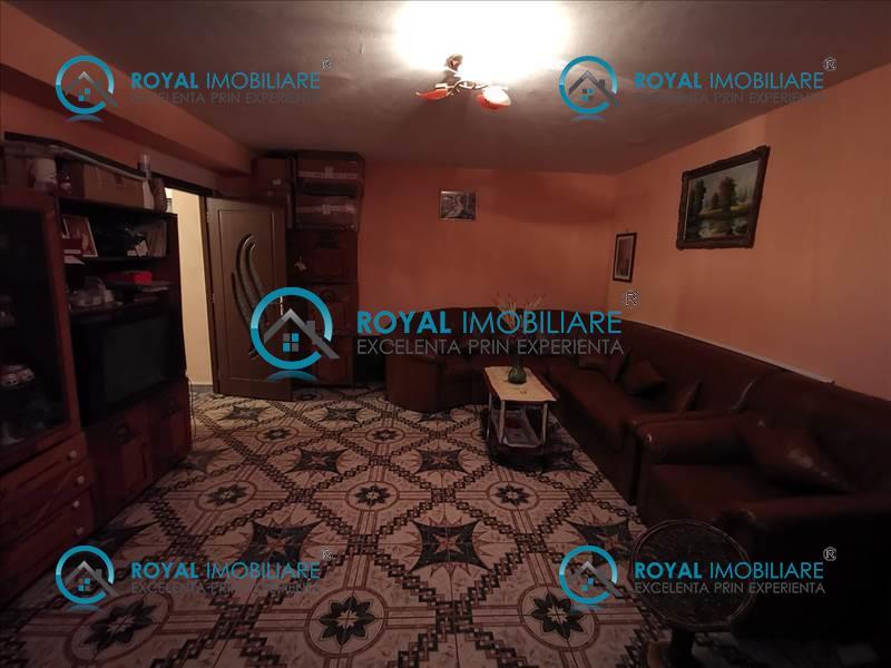 Royal Imobiliare   apartament 3 camere de vanzare in Ploiesti, zona Marasesti