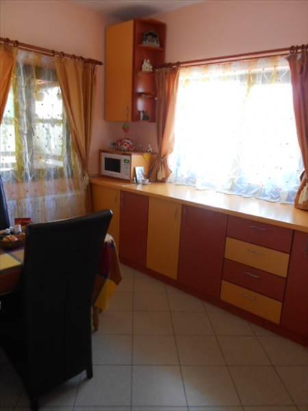 Royal Imobiliare   Inchiriere Vila zona Bucov Mica Roma