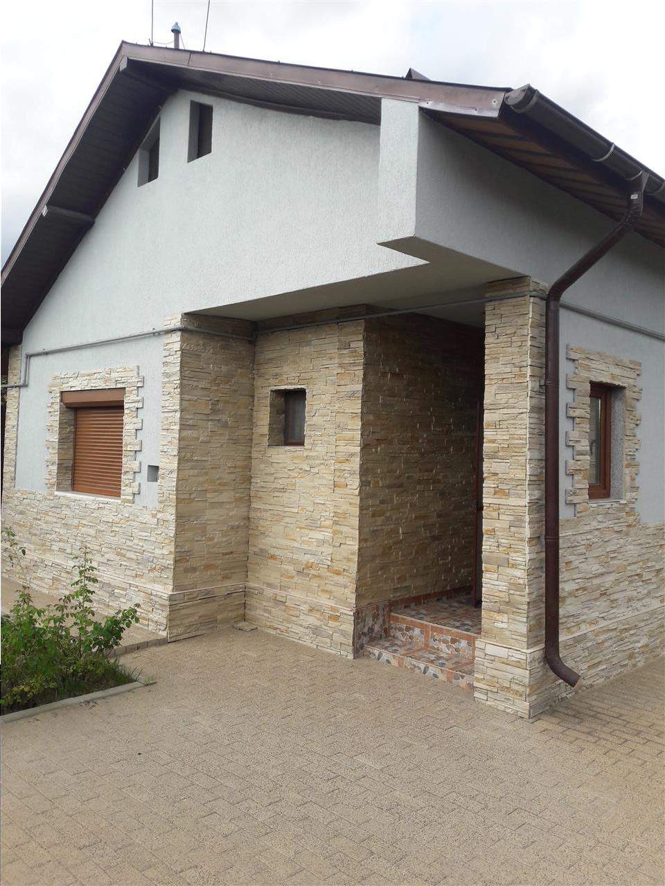 Royal Imobiliare   Vanzari Vile Strejnicu