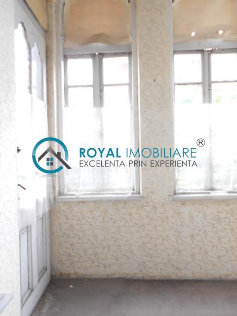 Royal Imobiliare   vanzari case zona Bulevard