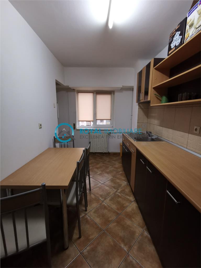 Royal Imobiliare   inchirieri apartamente 3 camere