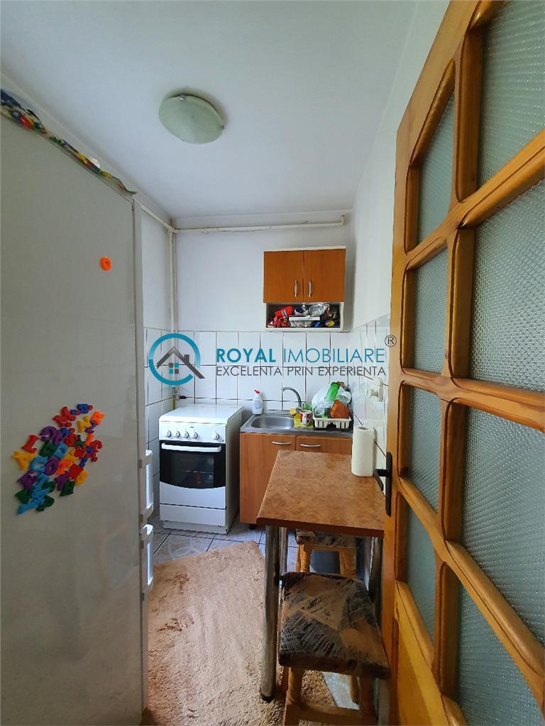 Royal Imobiliare    Vanzari Garsoniere zona Democratiei