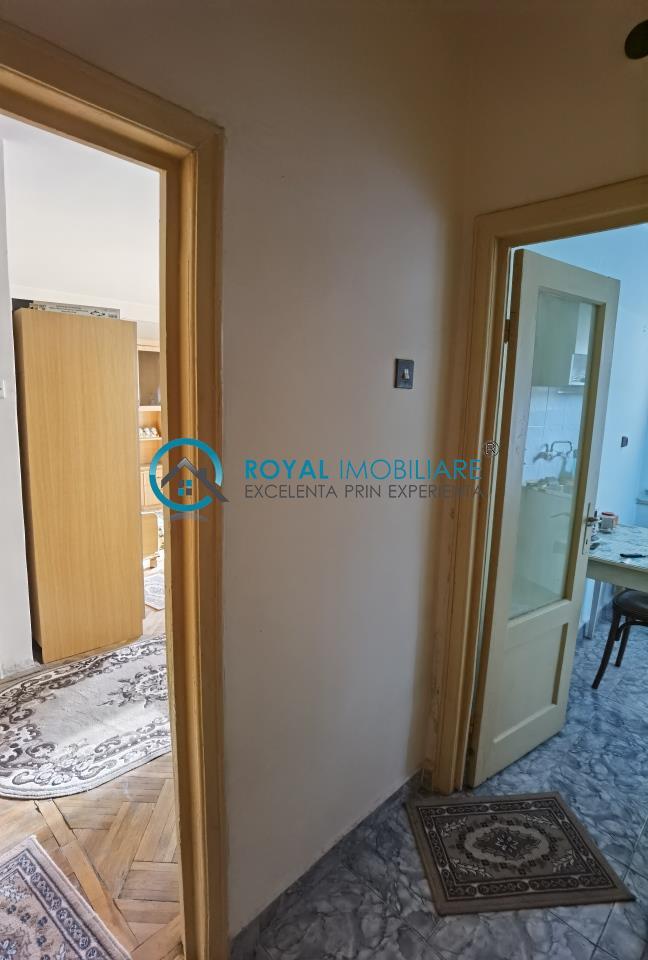 Royal Imobiliare   Vanzari Garsoniere zona Ultracentrala