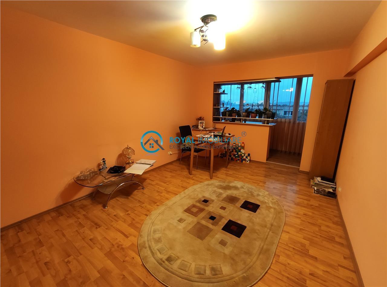 Royal Imobiliare   apartament 3 camere de vanzare zona Republicii