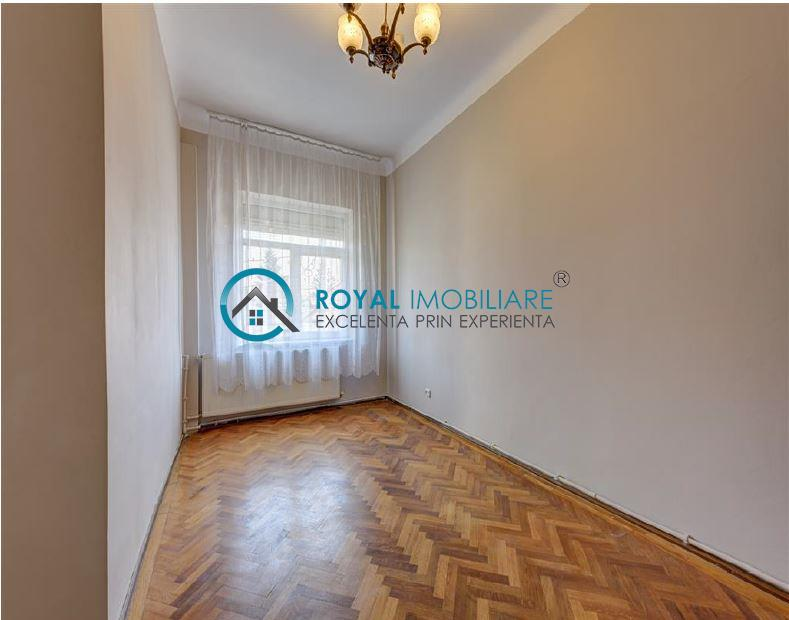 Royal Imobiliare  vanzare vila stil neoromanesc