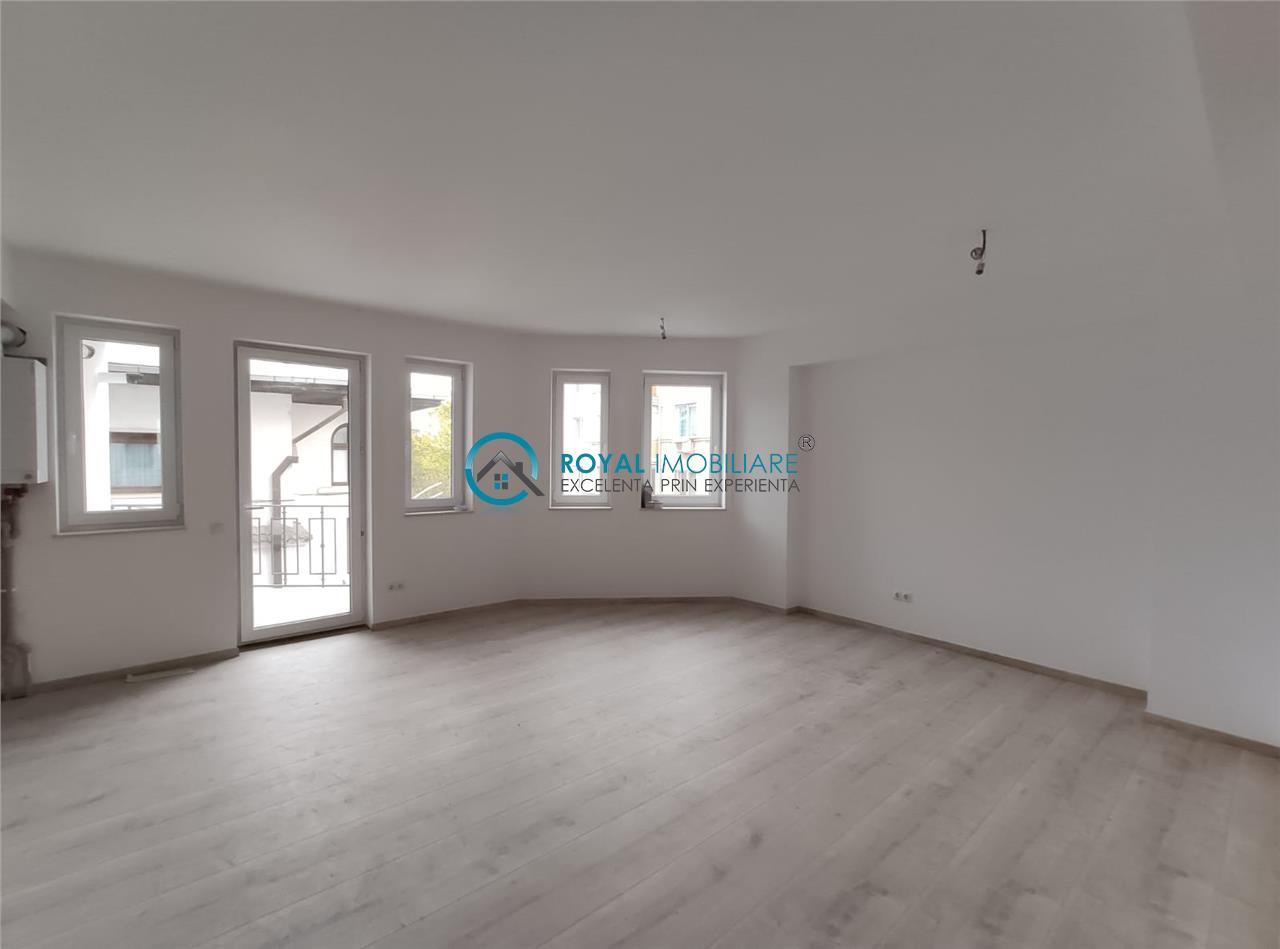 Royal Imobiliare   Vanzare apartament 3 camere cu curte proprie Ultracentral