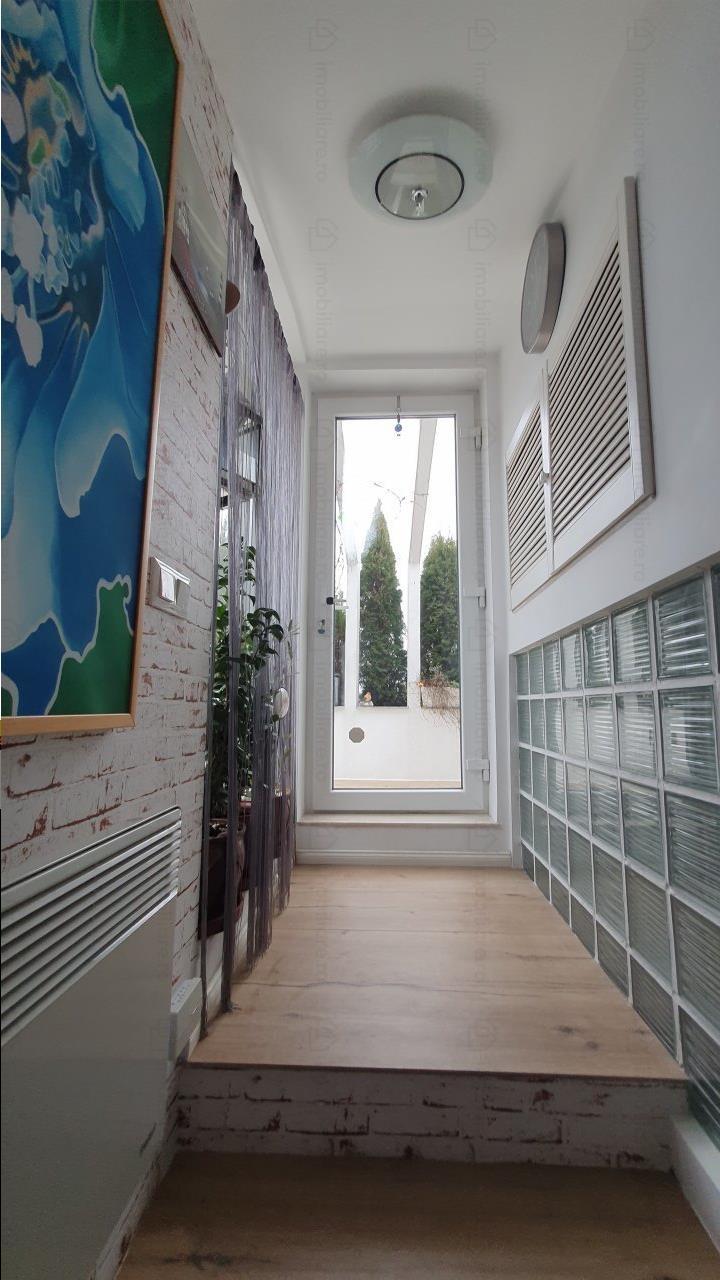 Royal Imobiliare   Apartament duplex, terasa panoramica, zona Centrala