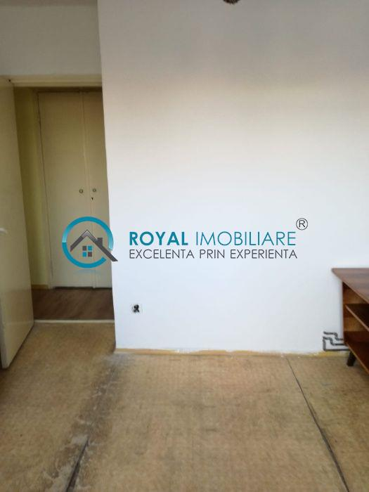 Royal Imobiliare   Vanzari 2 camere, zona Malu Rosu