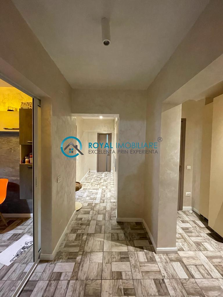 Royal Imobiliare   vanzari apartamente 4 camere zona Republicii