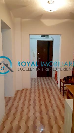 Royal Imobiliare   Vanzari 2 camere zona Republicii