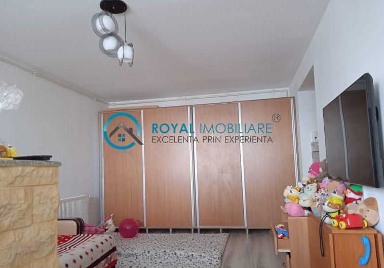 Royal Imobiliare   Vanzari 2 camere, zona Vest, bloc nou