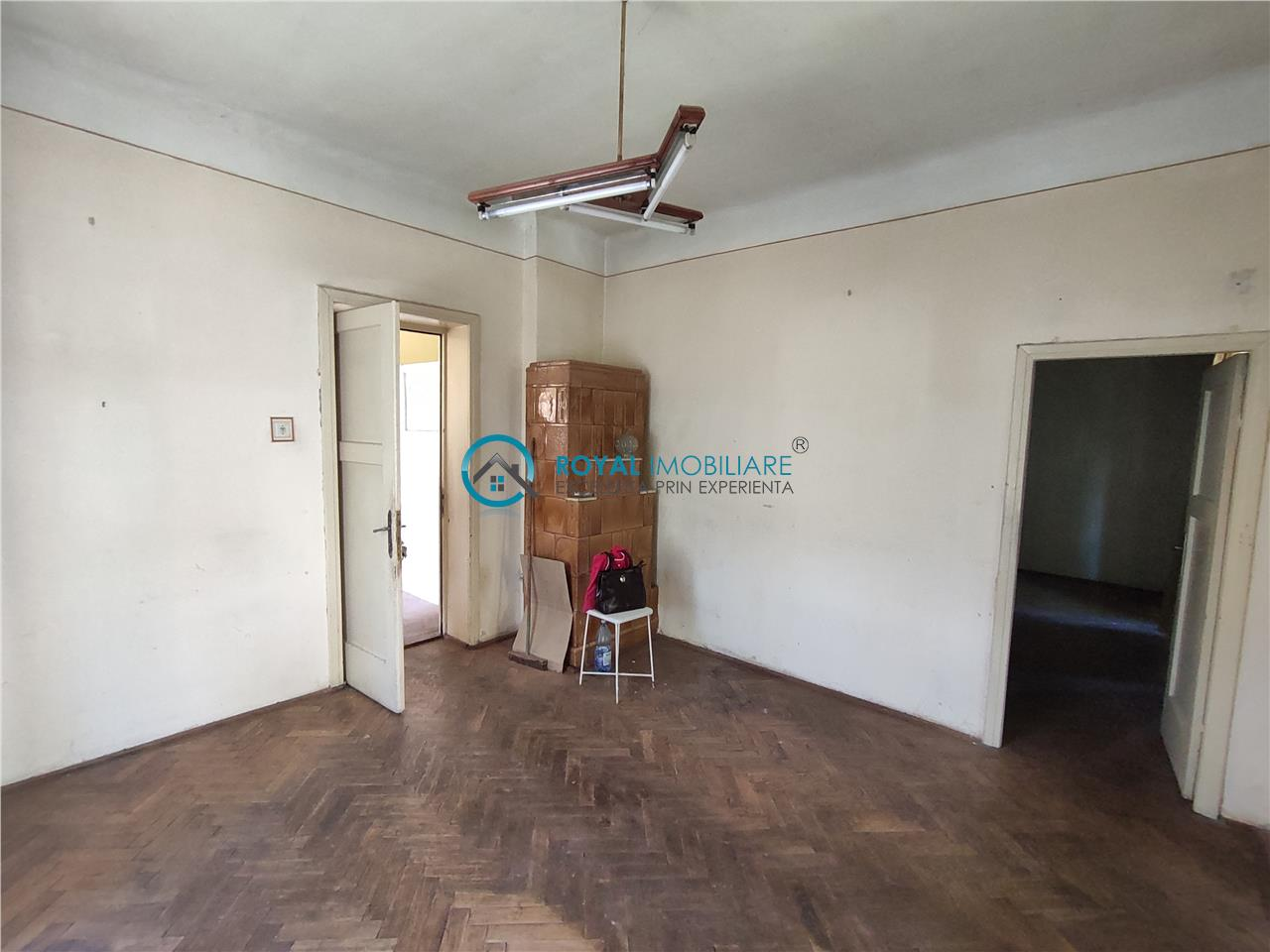 Royal Imobiliare   Vanzare Vila zona Bulevardul Castanilor