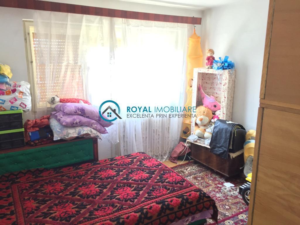 Royal Imobiliare   Vanzare Apartament zona Baraolt