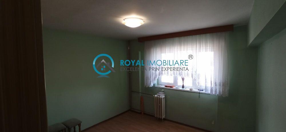 Royal Imobiliare   Vanzare apartament zona Republicii