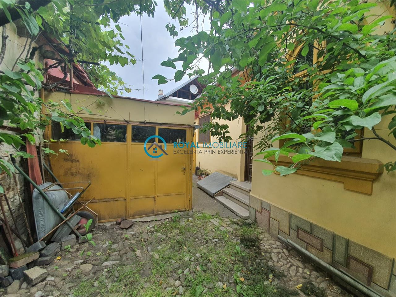 Royal Imobiliare   Vanzari Case zona Andrei Muresanu