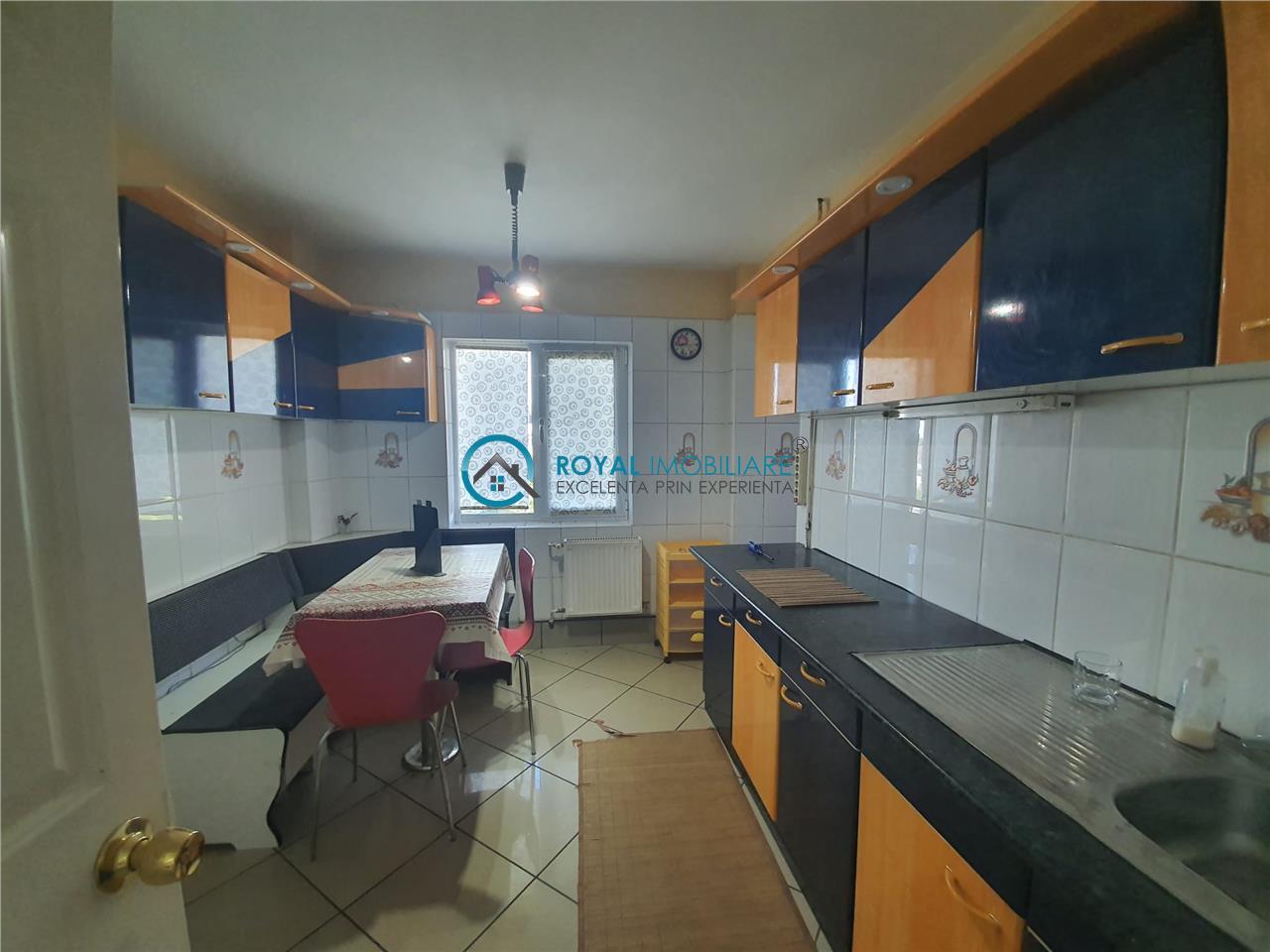 Royal Imobiliare   Vanzare Apartament zona Mihai Bravu