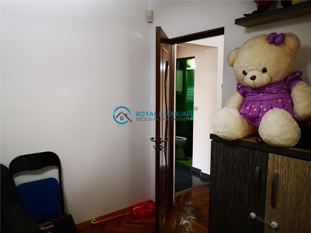 Royal Imobiliare   Vanzare Apartament zona Andrei Muresanu