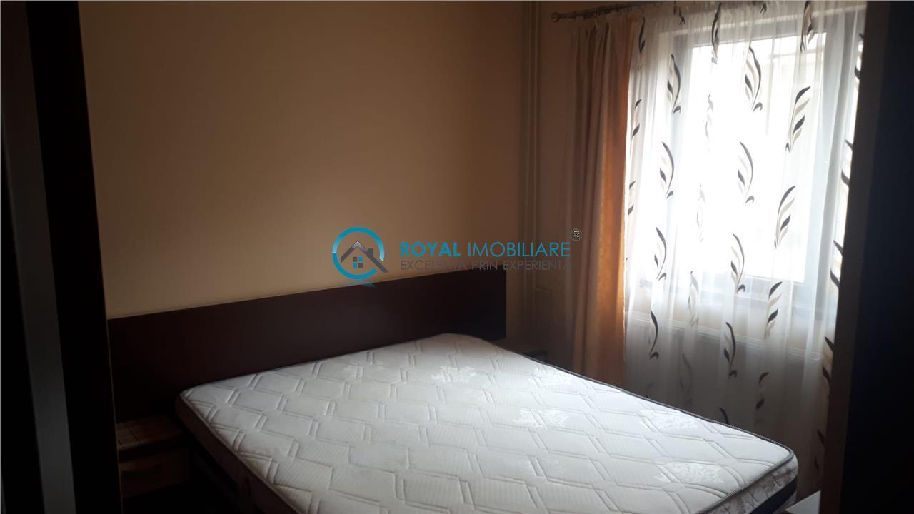 Royal Imobiliare Inchiriere apartament 3 camere, zona Vest  Dinu