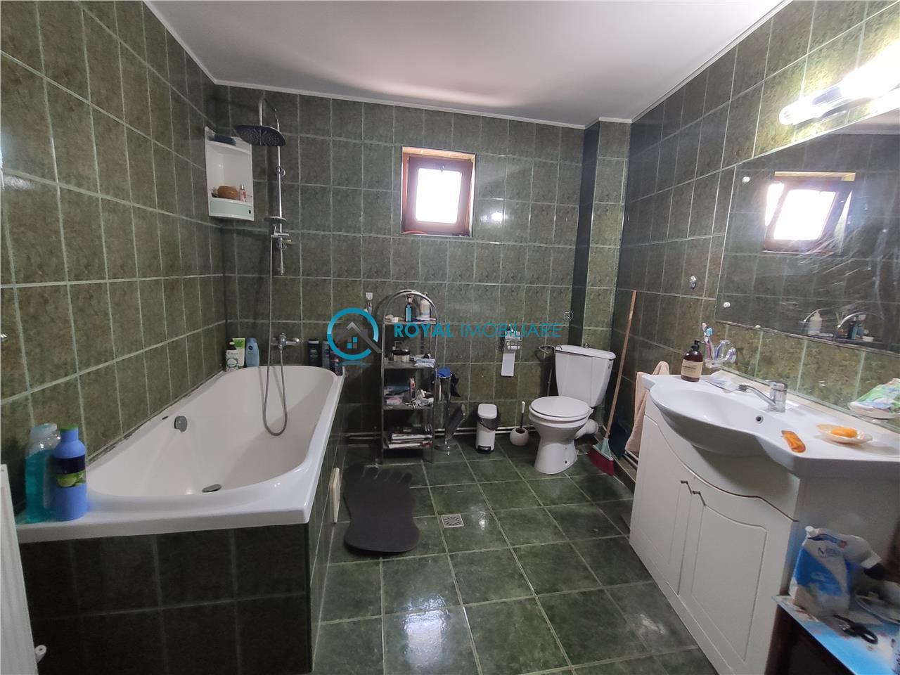 Royal Imobiliare   Vanzare Vila zona Traian