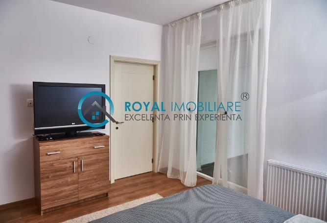 Royal Imobiliare   3 camere bloc nou, zona 9 MAI