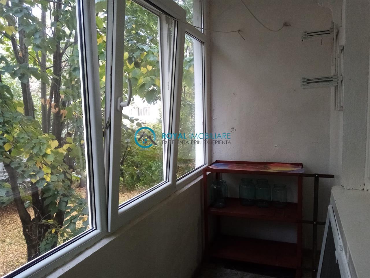 Royal Imobiliare   Vanzare Apartament zona Nord