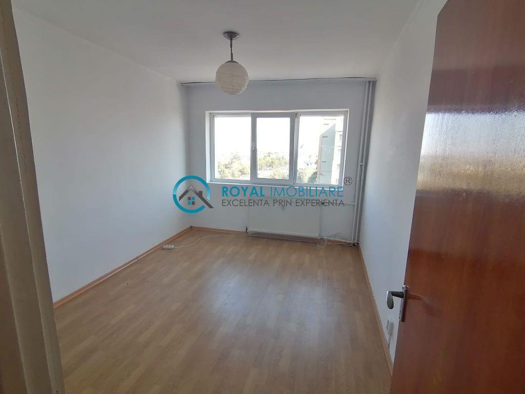Royal Imobiliare   Vanzare apartament zona Vest
