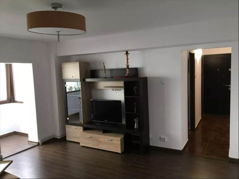 Royal Imobiliare - apartament 3 camere de inchiriat in Ploiesti, zona 9 Mai