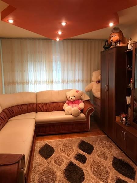Royal Imobiliare - apartament 3 camere de vanzare in Ploiesti, zona Enachita Vacarescu