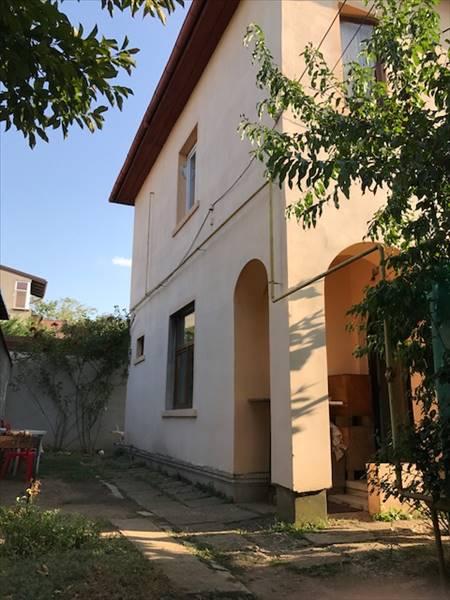 Royal Imobiliare - Apartament in Vila Democratiei