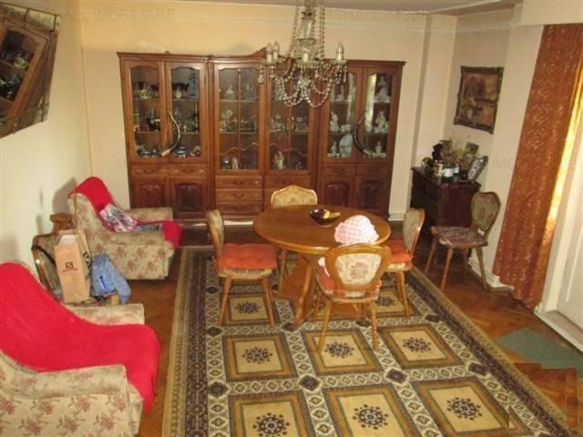 Royal Imobiliare - apartament 4 camere de vanzare in Ploiesti, zona Gheorghe Doja