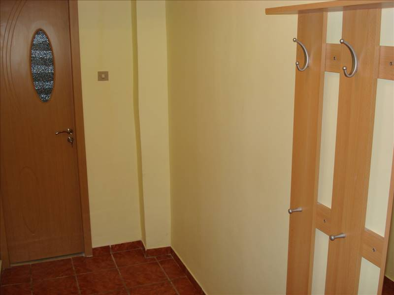 Royal Imobiliare   apartament 3 camere de vanzare in Ploiesti, zona Vest   Lamaita