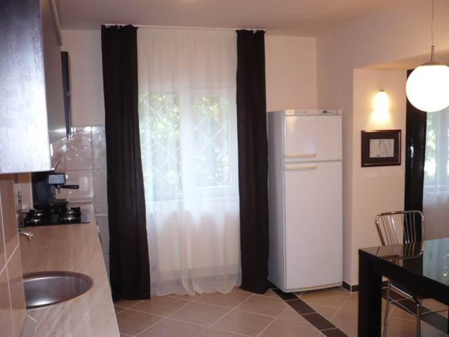 Royal Imobiliare   Inchirieri apartamente 3 camere   Zona Gheorghe Doja