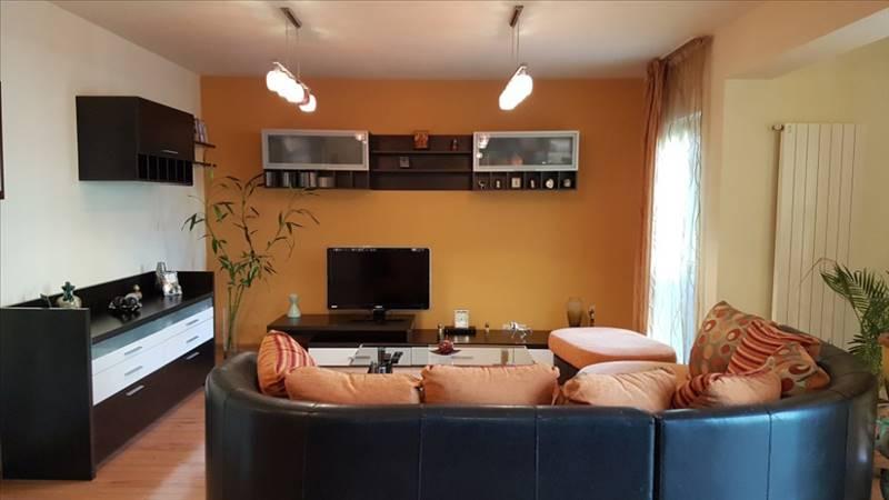 Royal Imobiliare - apartament 3 camere de vanzare in Ploiesti, zona Democratiei