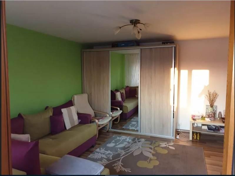 Royal Imobiliare - apartament 1 camera de vanzare in Ploiesti, zona Mihai Bravu