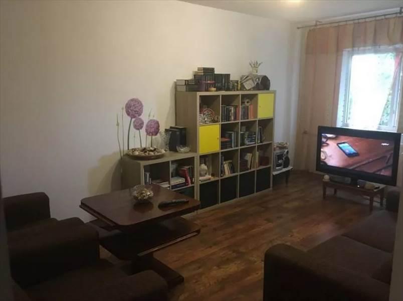 Royal Imobiliare - apartament 3 camere de vanzare in Ploiesti, zona Malu Rosu