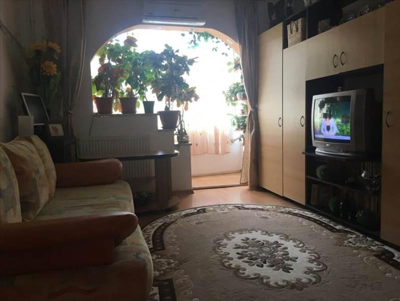 Royal Imobiliare - apartament 3 camere de vanzare in Ploiesti, zona 9 Mai