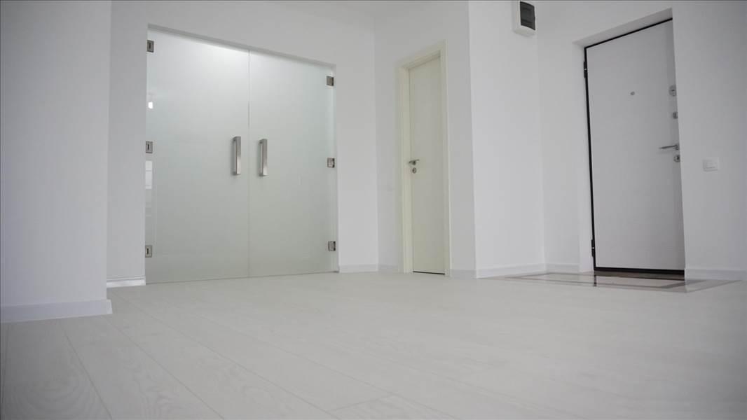 Royal Imobiliare - apartament 4 camere