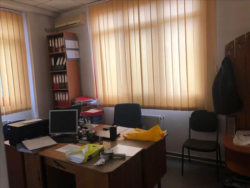 Royal Imobiliare   spatiu de birou de inchiriat in Ploiesti, zona Cantacuzino
