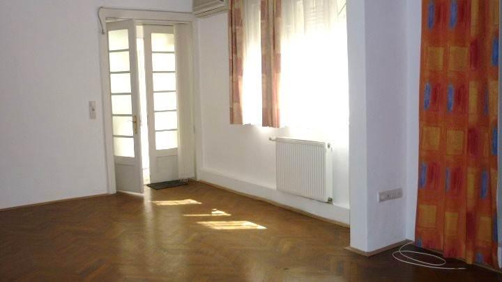 Royal Imobiliare   spatiu de birou de vanzare in Ploiesti, zona Sud