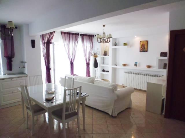 Royal Imobiliare - apartament 3 camere de inchiriat in Ploiesti, zona Republicii