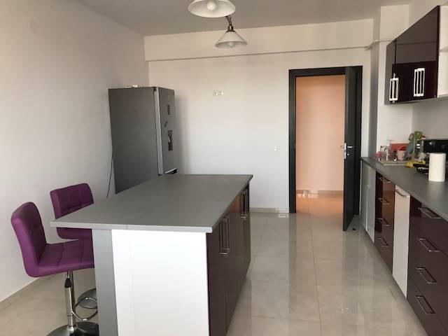 Royal Imobiliare   apartament 3 camere de inchiriat in Ploiesti, zona 9 Mai