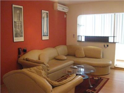 Royal Imobiliare - Vanzare 3 camere zona Republicii