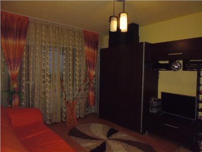 Royal Imobiliare - apartament 3 camere de vanzare in Ploiesti, zona Mihai Bravu