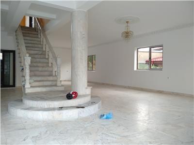 Royal Imobiliare - Vanzari Vile