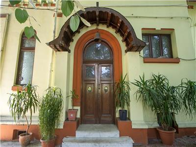 Royal Imobiliare -Vanzari Spatiu Birouri Ultracentral