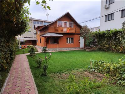 Royal Imobiliare-Vanzari Case zona Malu Rosu