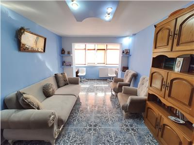 Royal Imobiliare -Inchiriere 2 camere  zona Marasesti