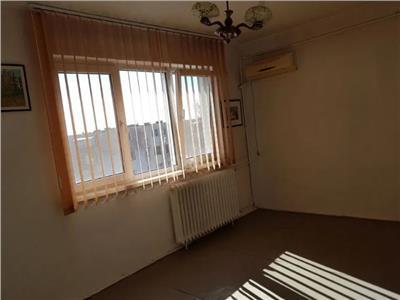 Royal Imobiliare - apartament 3 camere de vanzare in Ploiesti, zona Vest